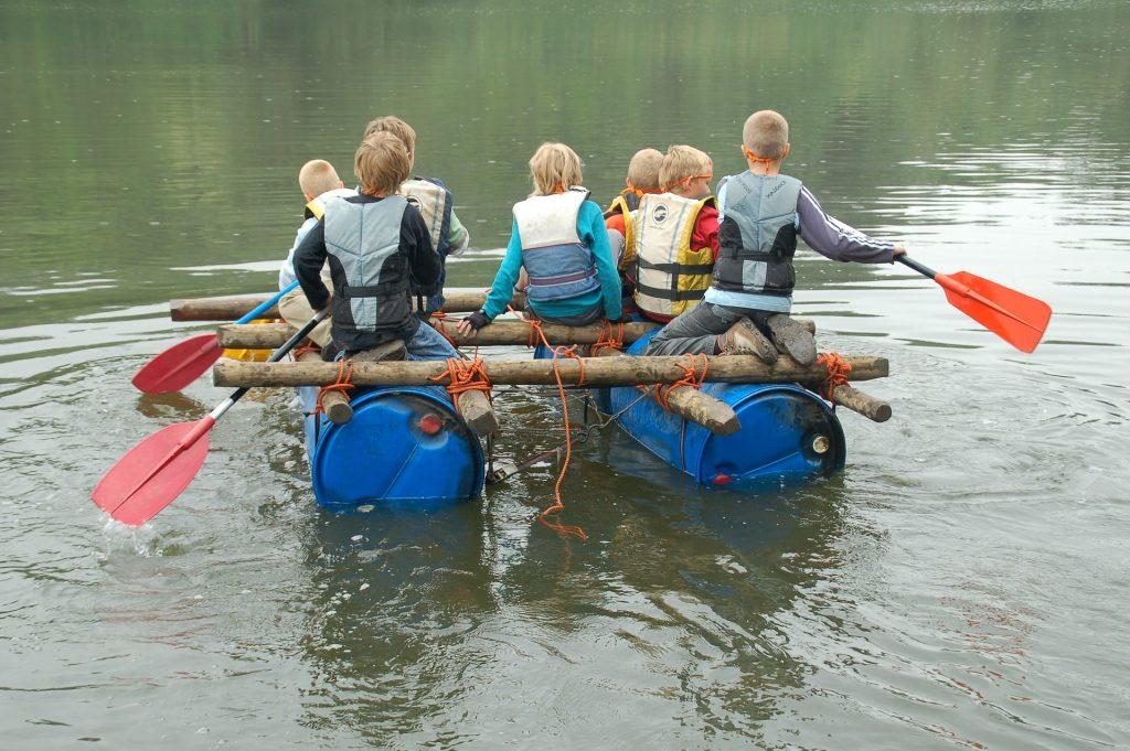 Activites-ludico-sportives-radeau de la meduse-mab experience-team building-france